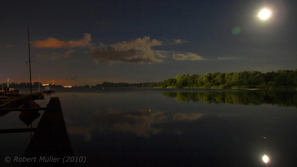 Mond über'm Banter See, Wilhelmshaven