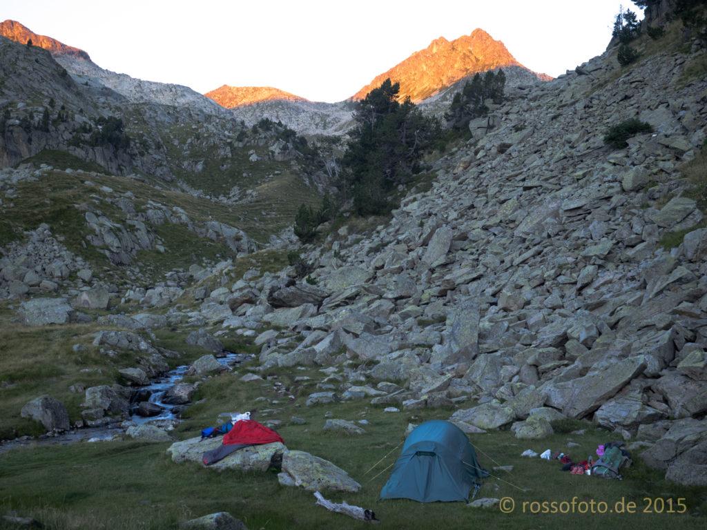 … wir haben ja das Zelt dabei.