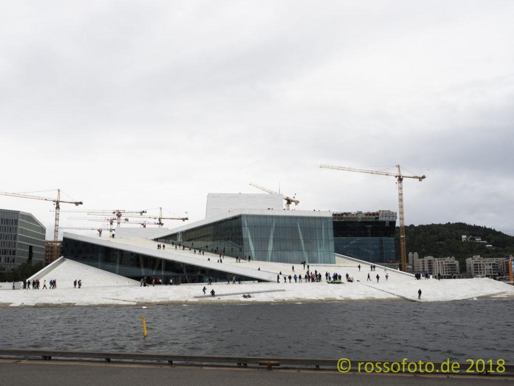 Operaen - Die Osloer Oper am Fjord.