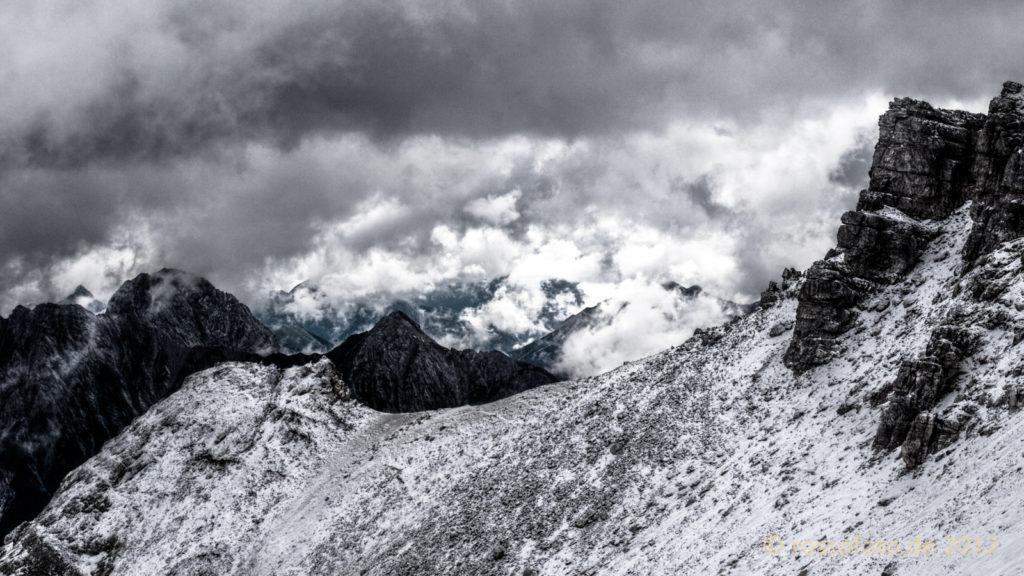 Wilde Wolkenformationen im nördlichen Karwendel.