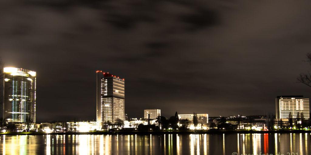 Bonner Rheinufer am heiligen Abend